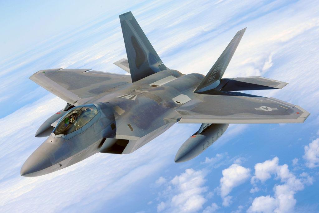 Kampfjet begleitet Boeing